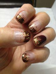 fall nails gold