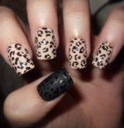 leopard print nail art - black