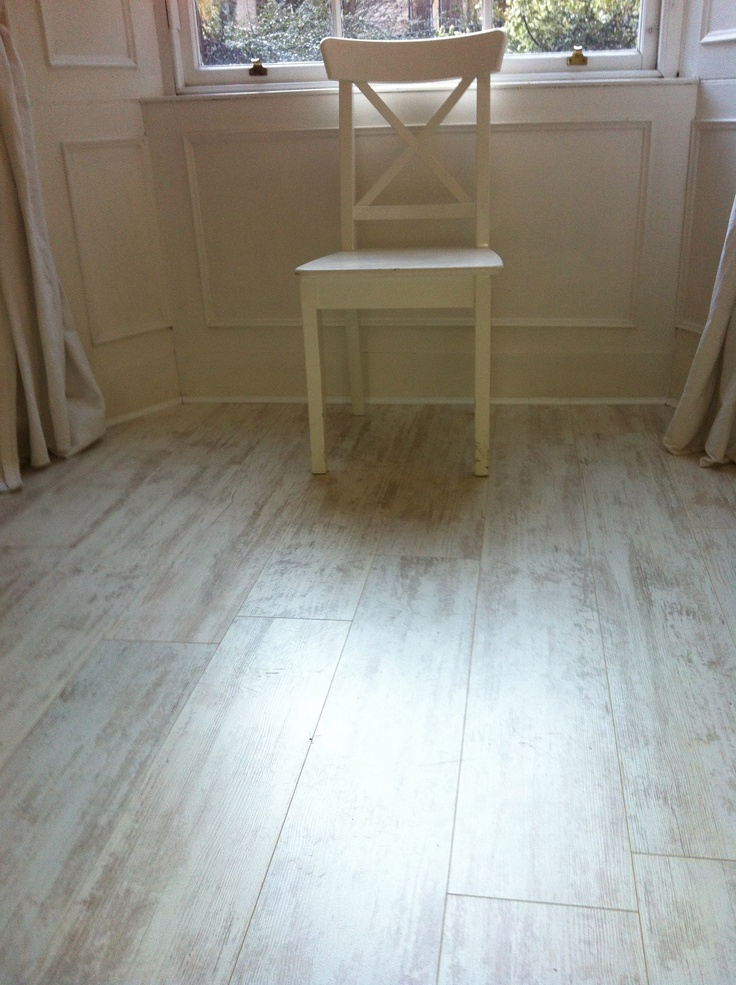 White wash oak laminate flooring