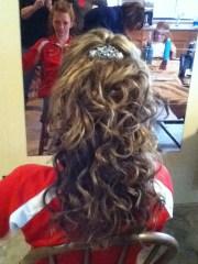 beautiful curly prom hair