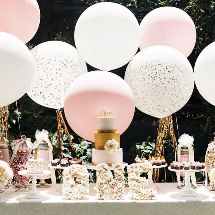 Blush and gold dessert table   ENTERTAIN  tie the knot  Pinterest  Circles Gold dessert