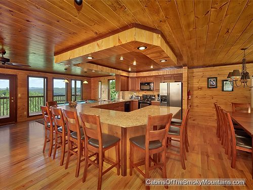 Kitchen Dining Area In Smokies Tower A 6 Bedroom Luxury Al Cabin Tennessee