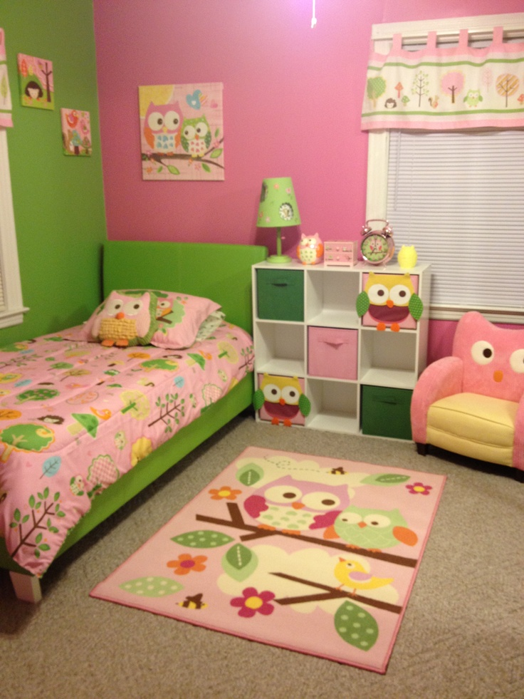 Green And Pink Owl Room Love This Theme And Color For