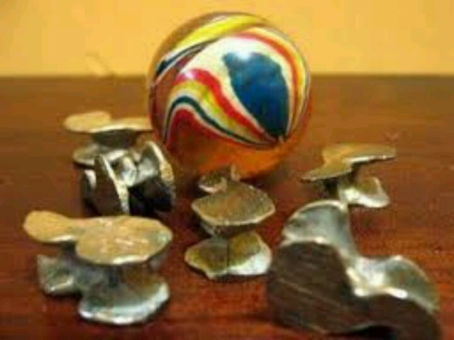 Indonesian traditional kids game-bola bekel | 90s life ...