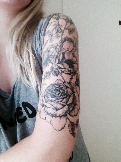arm tattoo girl black