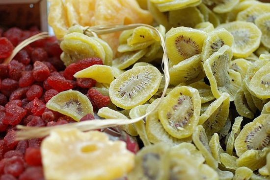 Make Your Own Dried Fruit (in the oven)  Its So Easy! No sugar and replaces cand