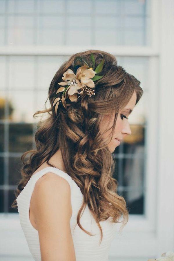 Die Besten 25 Halb Geflochtene Frisuren Ideen Auf Pinterest
