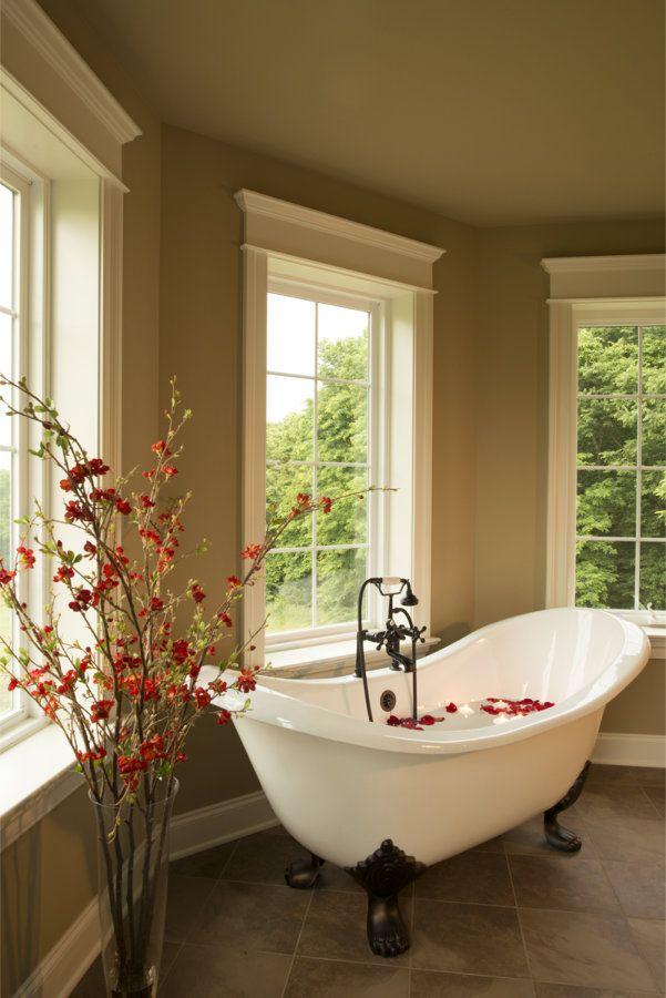25 best ideas about Clawfoot Tubs on Pinterest  Clawfoot bathtub Bathroom tubs and Clawfoot
