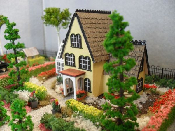 ideas dollhouse landscaping