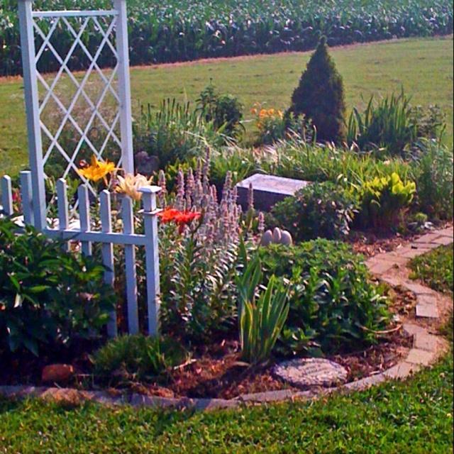 20 Best Images About Memorial Garden Ideas On Pinterest Gardens
