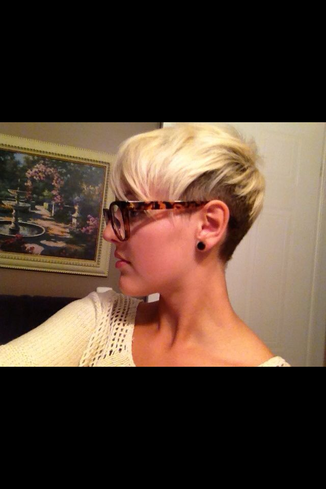 Short Edgy Two Tone Hair! Hairstyles Pinterest Side Shave