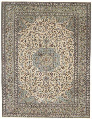 ces tapis sont noues main dans le centre de liran de haute qualite