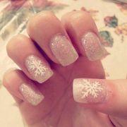 white glitter cute christmas nails