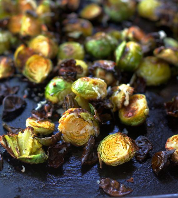 Garlic Roasted Brussels Sprouts Parmesan