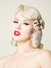 cute pinup hairstyle short