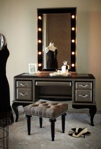 17 Best ideas about Makeup Table With Lights on Pinterest ...