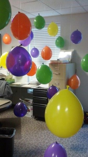 office birthday decorations 17 Best ideas about Cubicle Birthday Decorations on Pinterest   Office birthday decorations