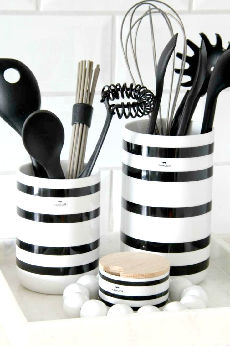 17 Best Ideas About Black White Kitchens On Pinterest