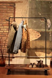 Industrial Reclaimed Wood and Pipe Coat Rack WANT!   Porte ...