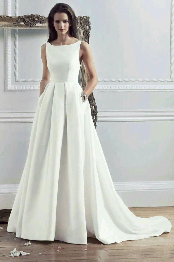 Die 25 Besten Ideen Zu Brautkleid Schlicht Auf Pinterest