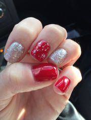 christmas nails. red. glitter