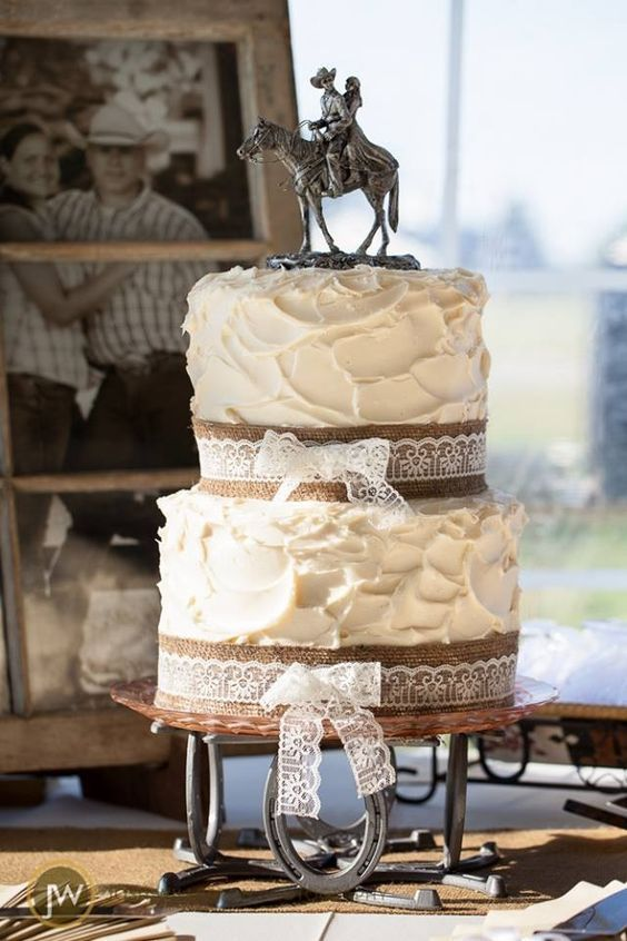 17 Best ideas about Burlap Wedding Cakes on Pinterest  Country wedding cakes Rustic wedding