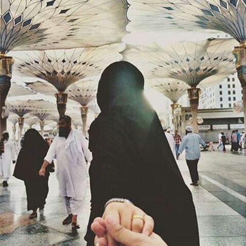 Cute Couple Holding Hand Wallpaper Pin By Chickse11♡ On Hijabi Pinterest Seasons