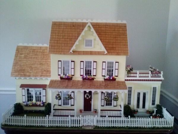 5652 dollhouses