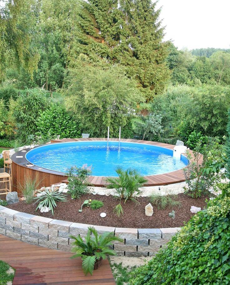 Kleiner Pool Im Grunen