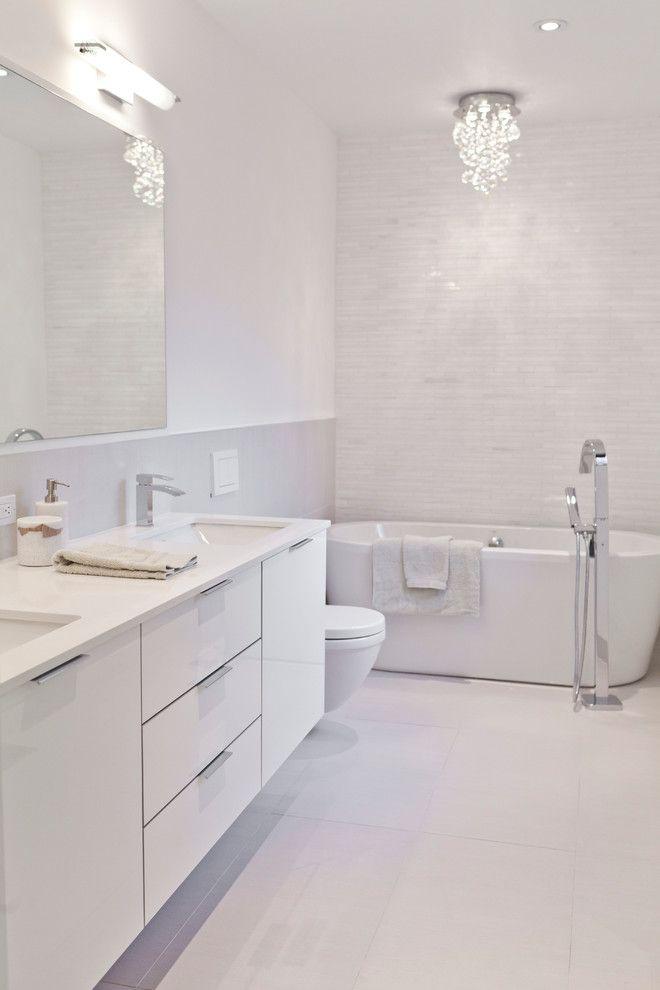 25+ Best Ideas about Modern White Bathroom on Pinterest
