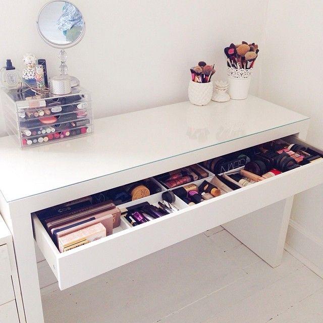 17 Best ideas about Makeup Desk on Pinterest  Vanity