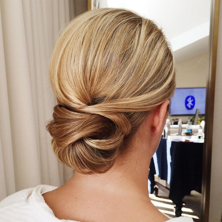25 Best Ideas About Low Buns On Pinterest Low Hair Buns Easy