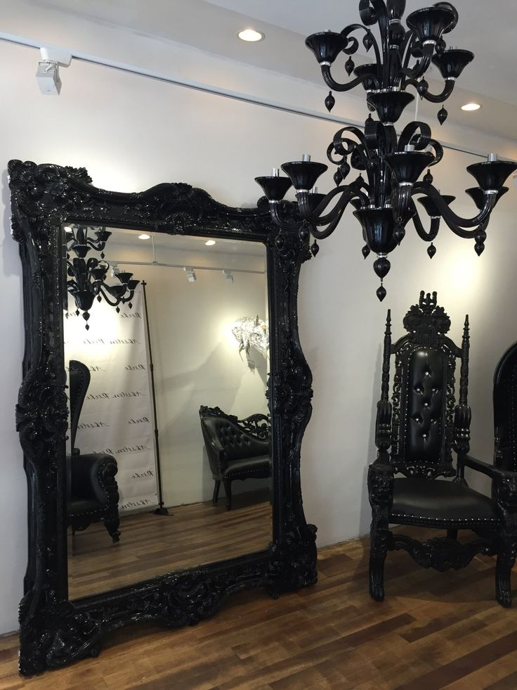 25+ best ideas about Gothic bedroom on Pinterest