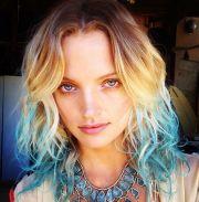 short blonde hair blue tips