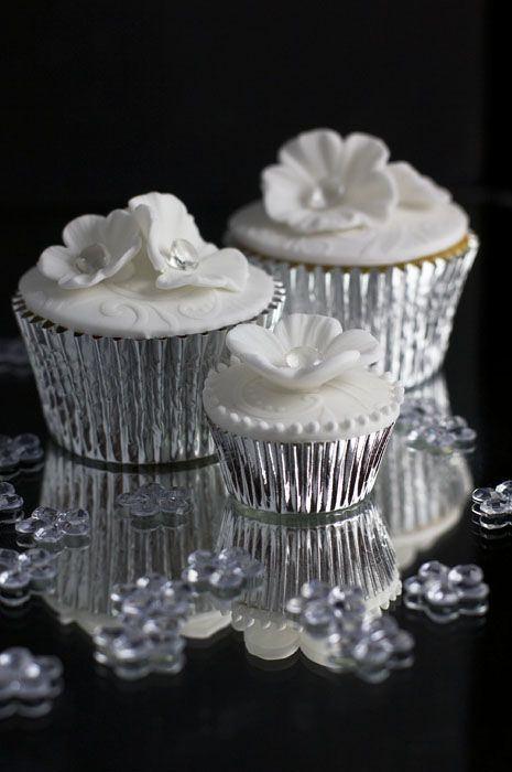 25 Best Ideas About Silver Cupcakes On Pinterest New