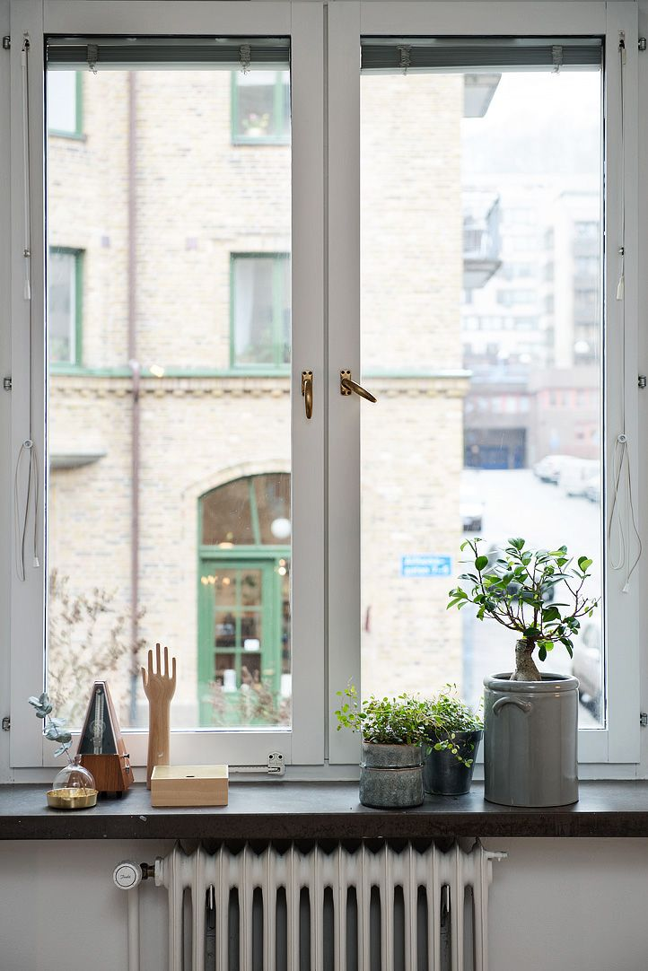 25+ Best Ideas about Window Sill Decor on Pinterest