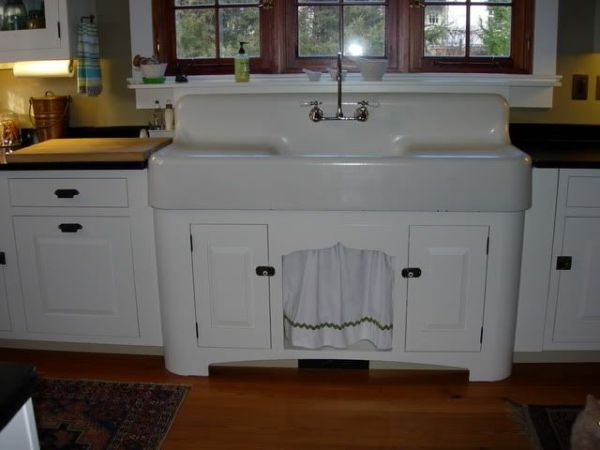 farmhouse kitchen sink with drainboard would love an old drainboard sink!   kitchen dreams