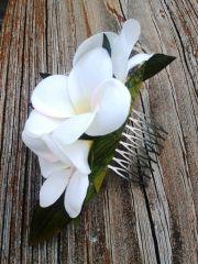 bridal hair comb - hawaiian plumeria