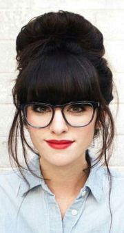 hairstyles girls with glasses