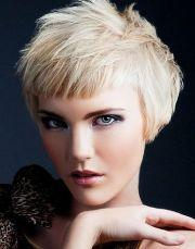 pretty short hair styles 2011