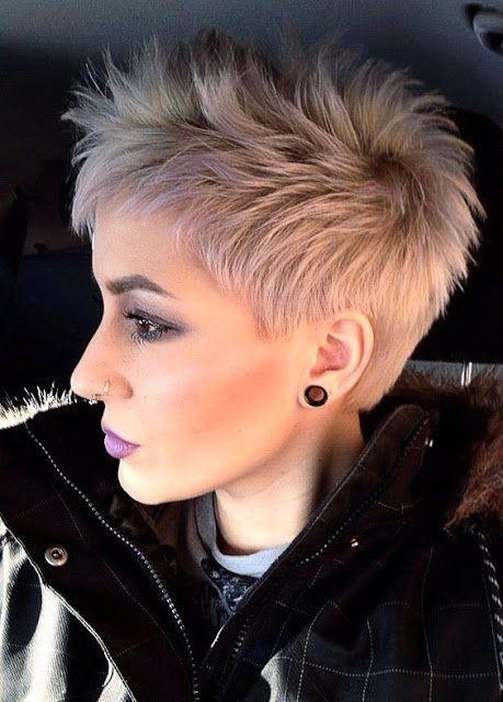 Die Besten 25 Flippige Kurze Haarschnitte Ideen Auf Pinterest