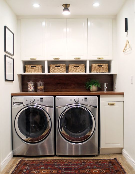 The little sink is a nice touch…good for cleaning up laundry detergent spills.  –LYC