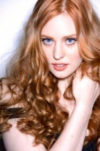 Deborah Ann Woll red hAir | Hair and Makeup | Pinterest ...