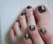 cute black toe nail design