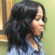 medium wavy weave hairstyle