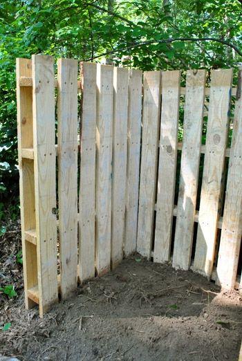 Pallet Corner Fence To Hide My Propane Tank Garden