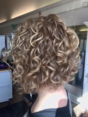 layered curly hairstyles