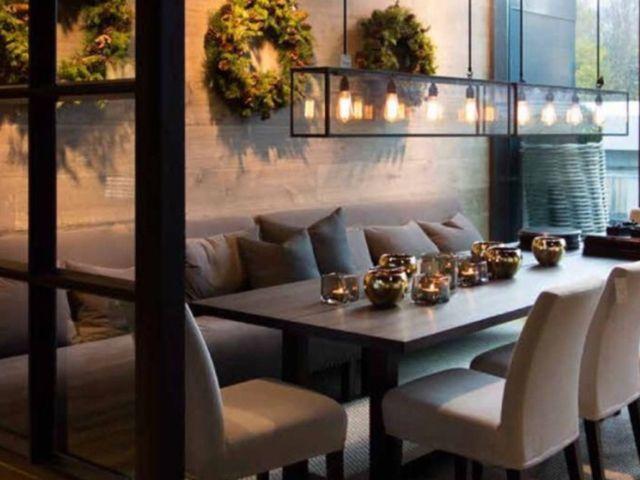 Eettafel met bank tegen muur  Woonkamer  Pinterest
