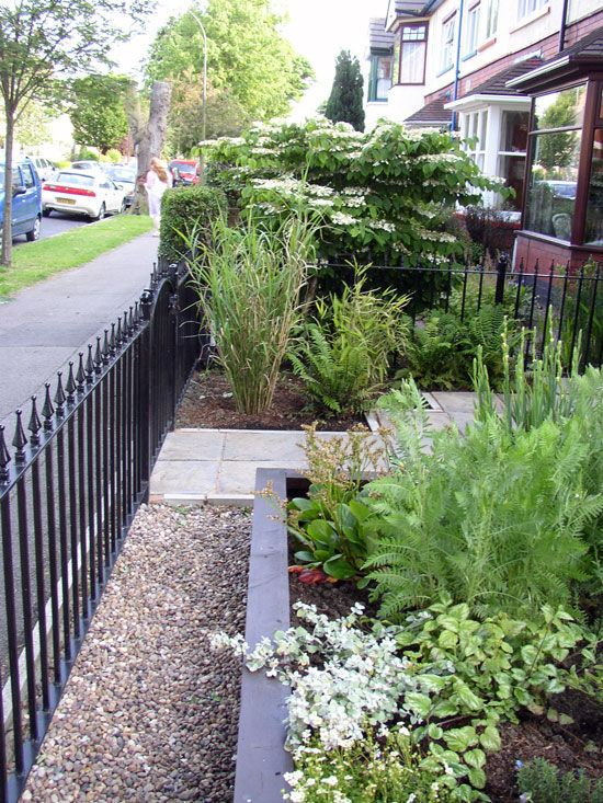 The 25 Best Ideas About Small Front Gardens On Pinterest Front