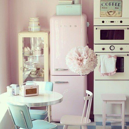 cute retro kitchen Who likes a Smeg refrigerator? Love how this pink Smeg